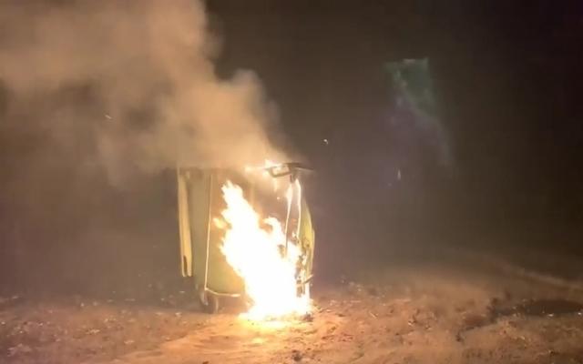 В Днепре вандалы сожгли несгораемые мусорные баки Фото № 0
