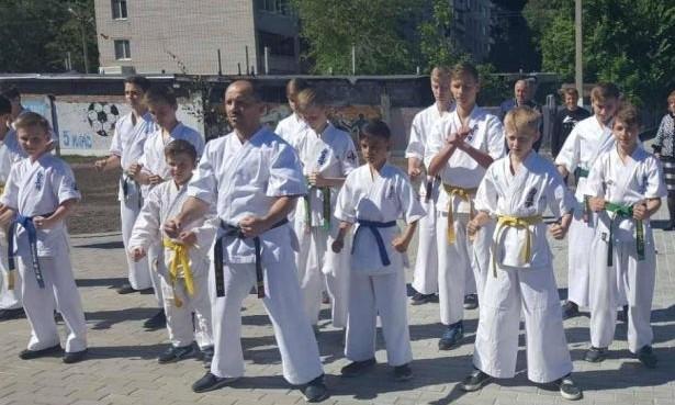 На Днепропетровщине открыли спортивную площадку