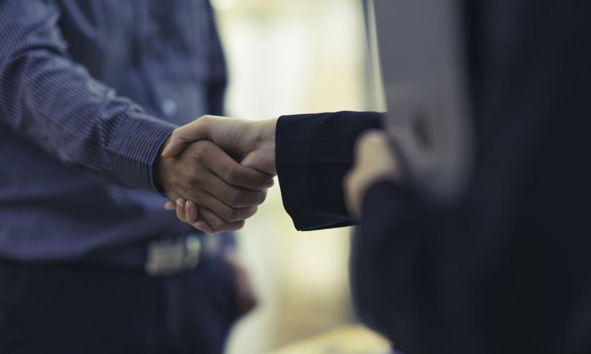 Працевлаштування через агенцію – як це працює?