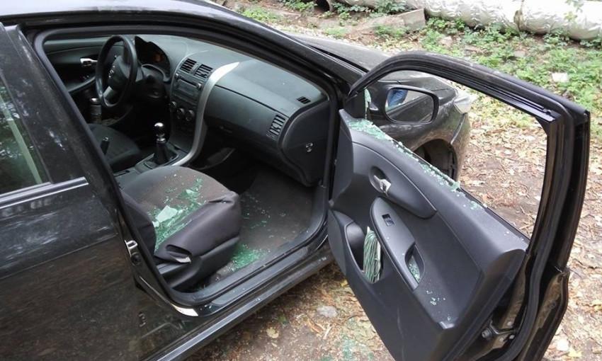 В Днепре вскрыли автомобиль депутата горсовета