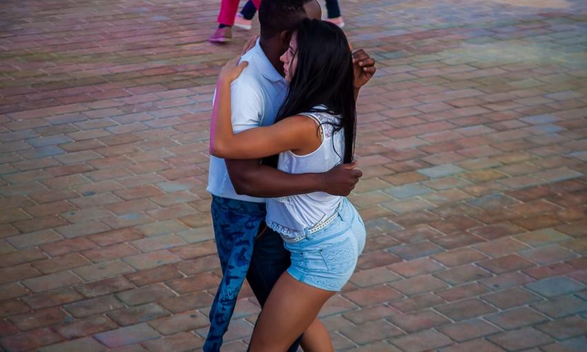 Горячий Днепр: горожане устроили вечер социальных танцев